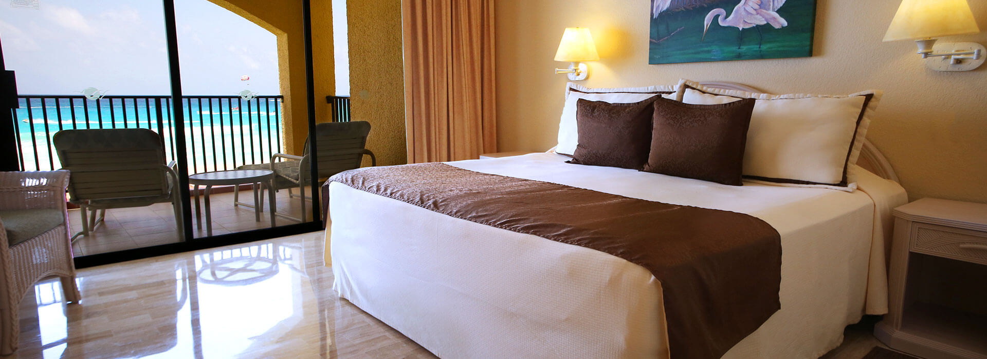 suite in cancun resort with king size bed