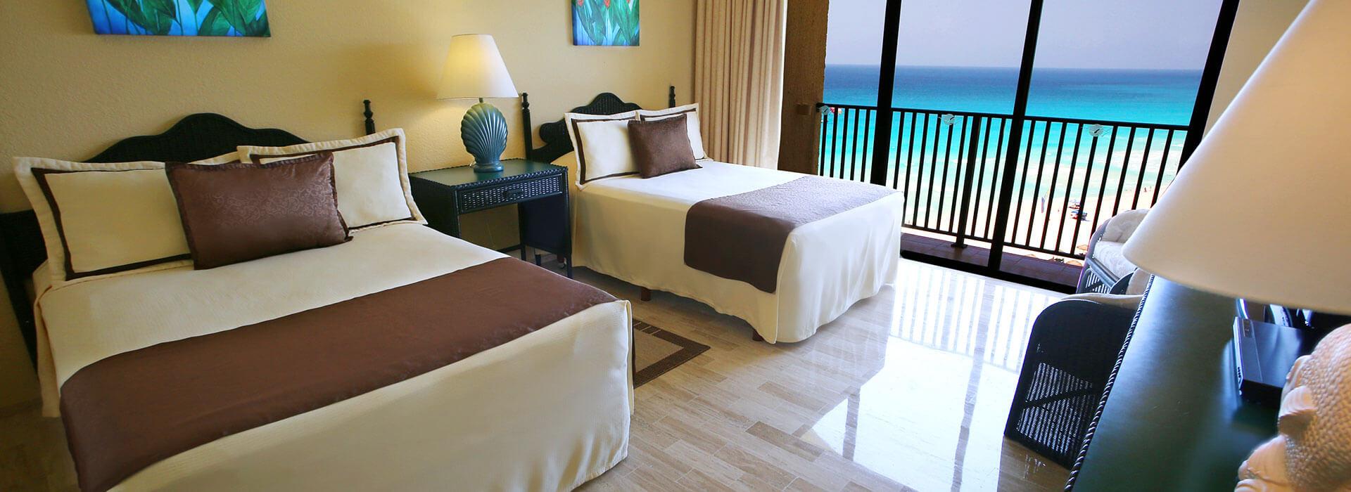amplia habitación de 2 cuartos en hotel de cancún