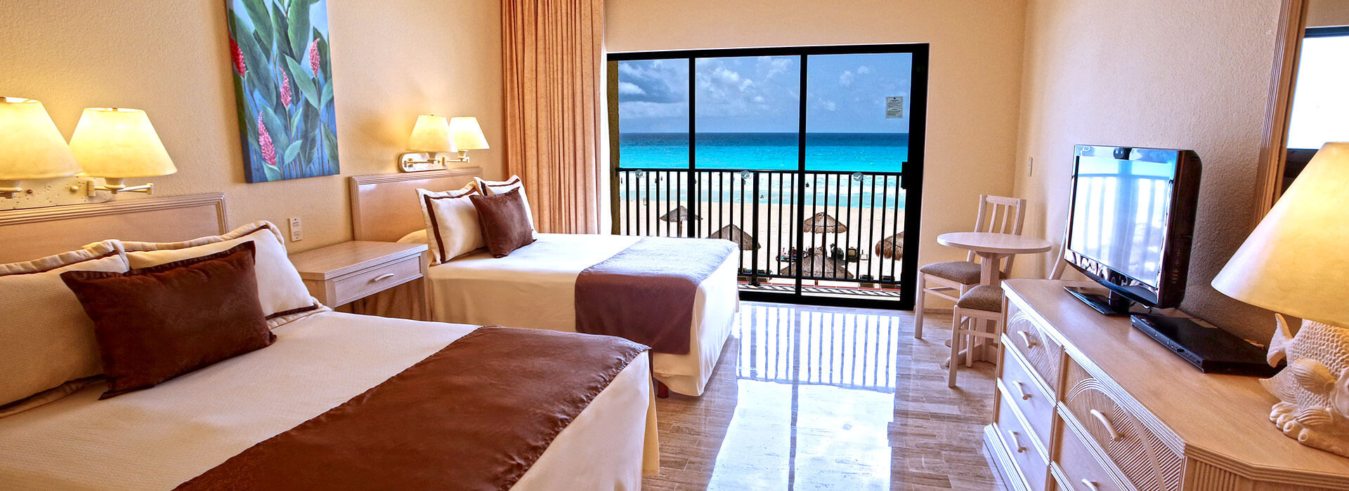 beachfront suites in Cancun resort